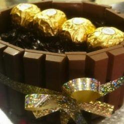 0320019403valentine_day_chocolate_cake