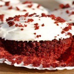 2025403196red-velvet-cupcakes