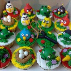 2030819643miniature-angrybird-cupcakes