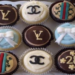2086004421designer_cupcakes
