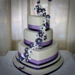 268517Beautiful_Ring_Ceremony_Desingner_Cake