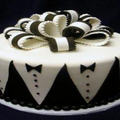 3366474788groom_cake_with_tuxedo_pattern