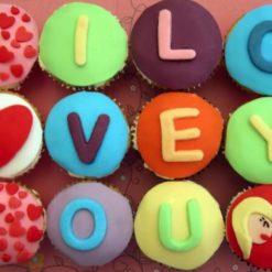 4881177704cupcakes-anniversary-cupcakes