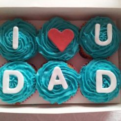 512486Fathers-day-cupcakes_90