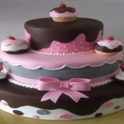 552736970cakes_first_bday