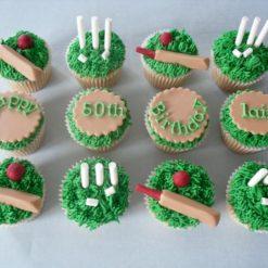 633029387b9def138692d10dabb574953dbf38--cricket-cupcakes-cricket-cake