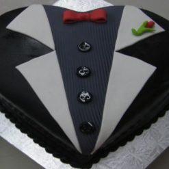 6867763477heart_shape_groom_s_cake_by_wildcreationspr-d63fi7a