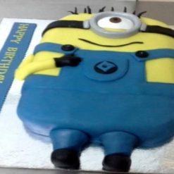 8327004200minions_cake
