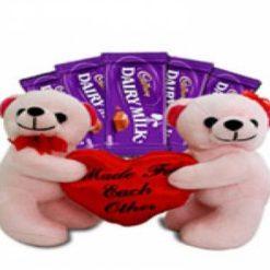 8344453691teddies_carrying_chocolates_699