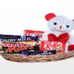 8365979022teddy_inside_chocolate_basket_849