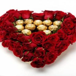 902432644250_red_roses_and_16_pieces_rocher_4990