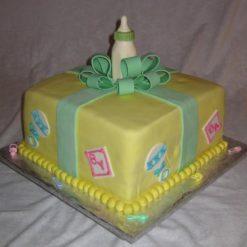 965293Lovely-baby-shower-cake