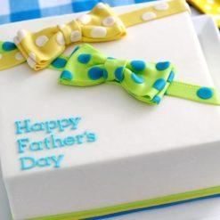 968696polka_dot_father_day_Cake