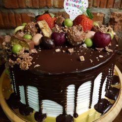 57979166792781Strawberry_Fresh_Fruit_Cake_20_jan